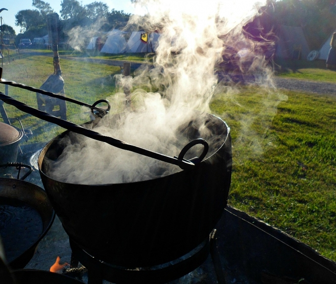 medieval kettle boiling